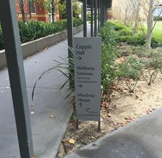 External customised wayfinding